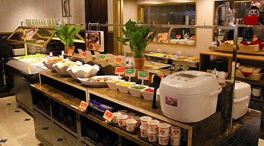 【朝食】バリエーション豊富なビュッフェ(和食もご用意)