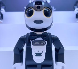 ワクワク楽しい<br /> ロボットによるサービス