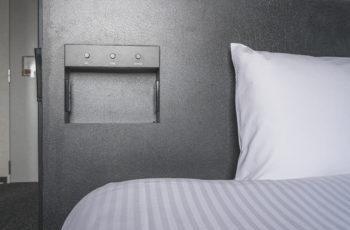 コンセント(ベッド/ デスク)