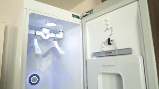 Robot garment cleaning