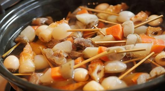 土鍋の京風串おでん,田楽味噌を添えて