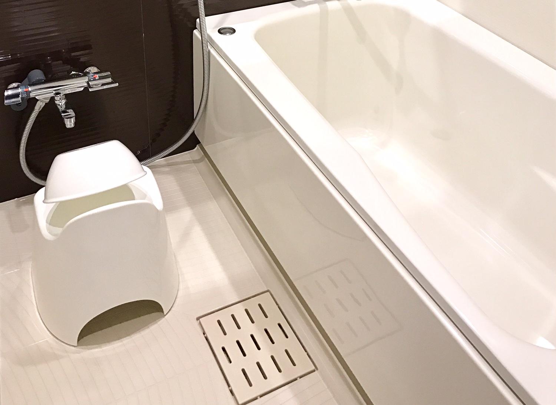 浴室にバスチェア・洗面器を導入いたしました