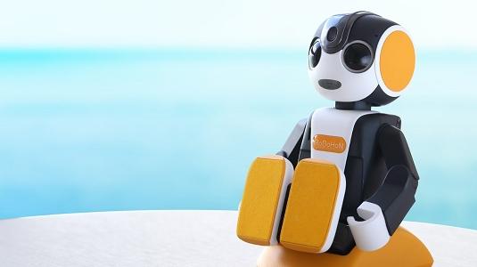 コミュニケーションロボット「ロボホン」<br>(2019年11月27日より全室に設置)